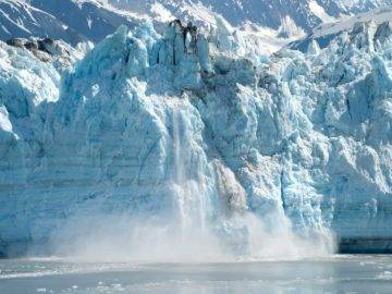 15 Most Shocking Icebergs Breaking Off Caught On Camera