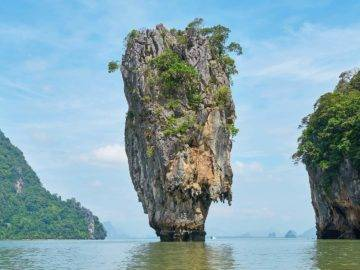 15 Most Mysterious Islands on Earth