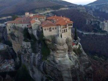15 Riskiest Houses In The World That Shouldn't Have Been Built