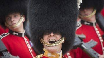 10 Secrets of the Queen's Guard You Won't Believe
