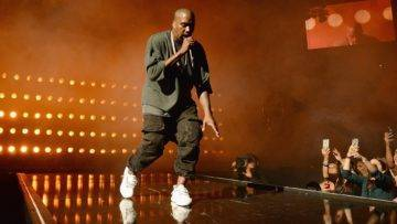 Kanye West Net Worth And How He Made $1 Billion Dollars!