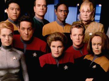 The UNTOLD Truths Of The Star Trek Voyager Story!