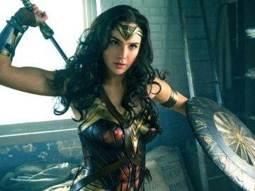 Top 10 Best DC Superhero Movies Of All Time!