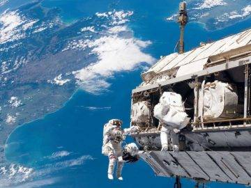 What If You FELL to Earth Right From The International Space Station?