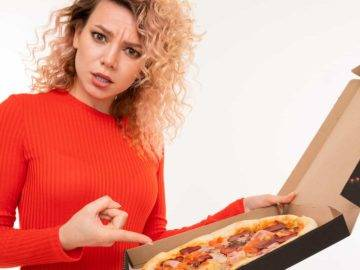 Top Reasons Why You Should ALWAYS Order Your Pizza Uncut!