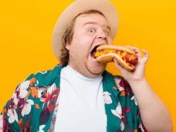 Top 12 Weirdest Hot Dogs Around The World!