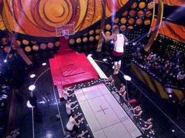 Over 26 Feet! Longest Slam Dunk From A Trampoline (Guinness World Records)