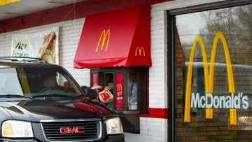 Top 13 Mistakes Everyone Makes When Ordering Fast Food!